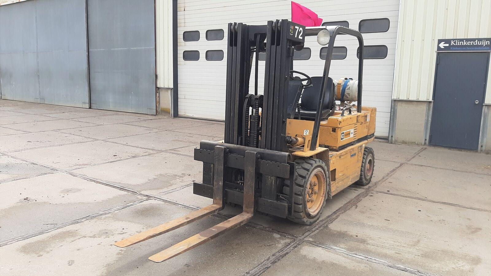 wózek widłowy CATERPILLAR VC60D-SA Triplex Mast 4.4m / Gas